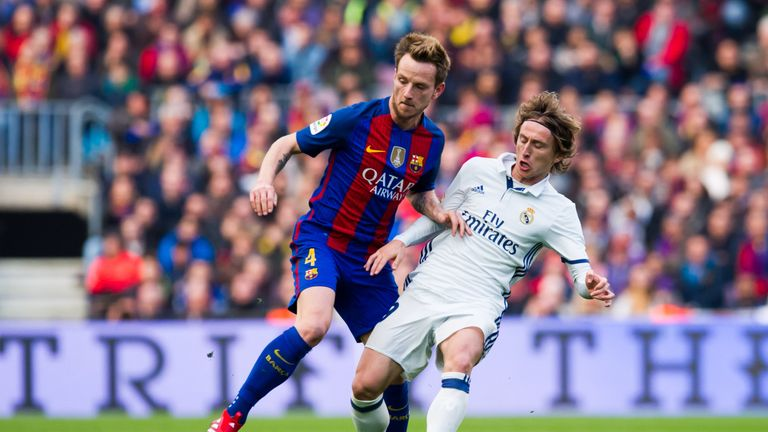 Rakitic says Barcelona will go all out for victory against Real Madrid