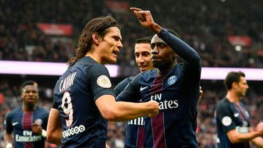 Edinson Cavani celebrates his goal for PSG against Montpellier