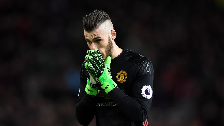David de Gea reacts after Manchester United drop points against Everton