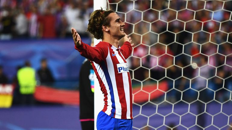 MADRID, SPAIN - APRIL 12:  Antoine Griezmann of Atletico Madrid celebrates after scoring his team's first goal of the game from the penalty spot during the