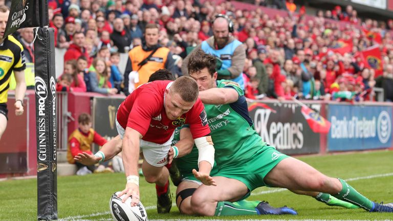 Munster thrashed Connacht to finish the regular season in top spot