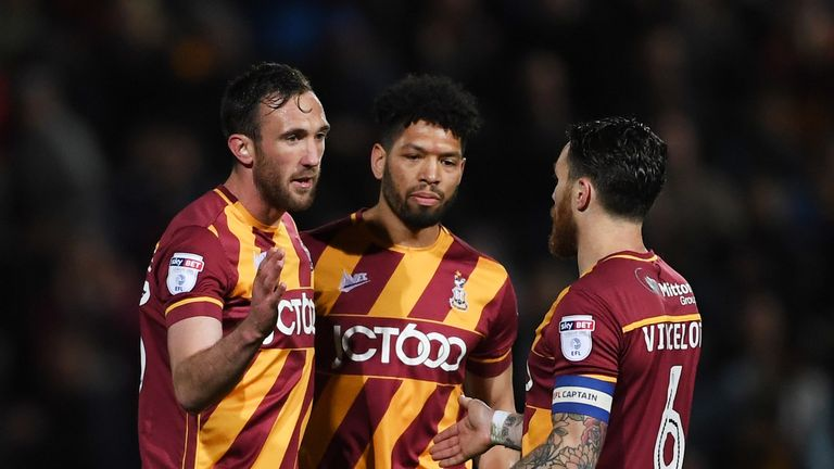 Bradford beat Fleetwood to reach the L1 play-off final