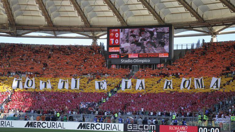 Roma fans greet Francesco Totti for his last match