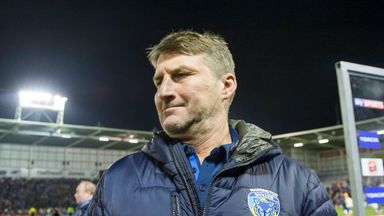 Warrington coach Tony Smith saw his side suffer two heavy defeats in four days