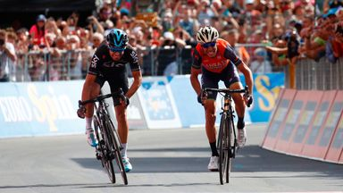 Vincenzo Nibali (R) beat Mikel Landa by inches to claim stage 16 of the Giro d'Italia
