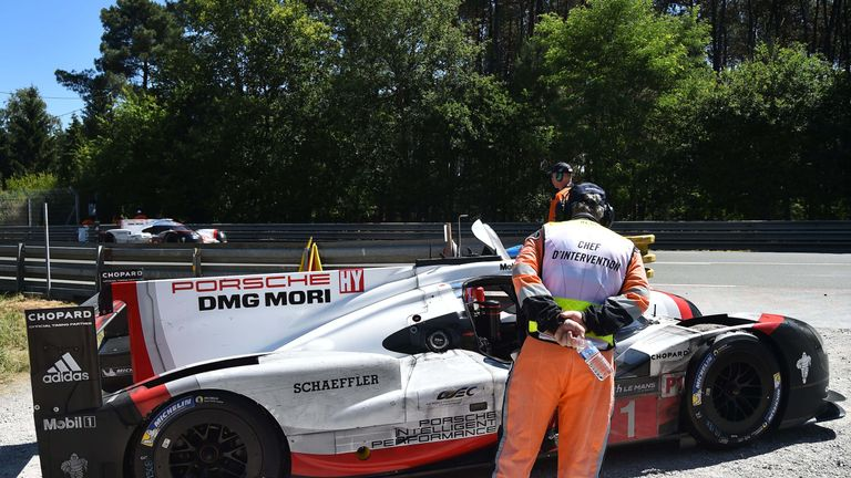 Andre Lotterer stopped his Porsche due to an oil pressure problem