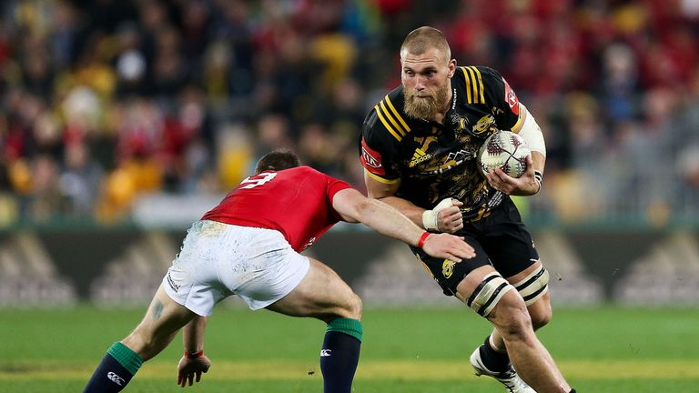 Hurricanes captain Brad Shields signs on with English club Wasps