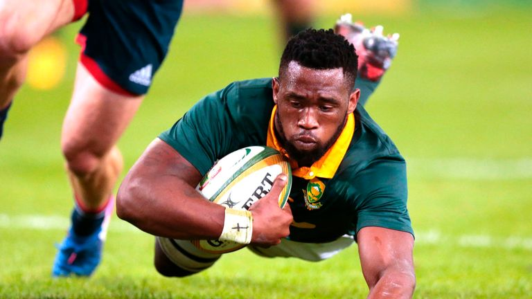 Siya Kolisi crosses for South Africa
