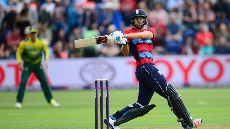 CARDIFF, WALES - JUNE 25: Dawid Malan of England bats during the 3rd NatWest T20 International between England and South Africa at the SWALEC Stadium