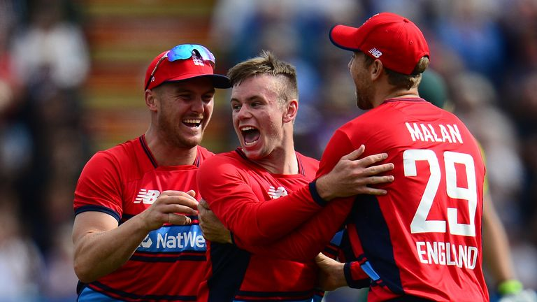 Mason Crane of England(C) celebrates the wicket of AB De Villiers of South Africa during the 3rd T20 International between England and South Africa