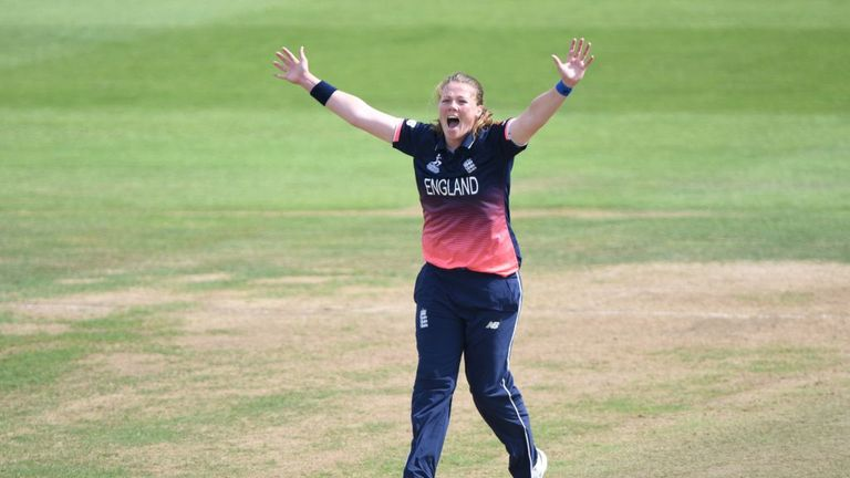 Anya Shrubsole says England are desperate to regain the Ashes