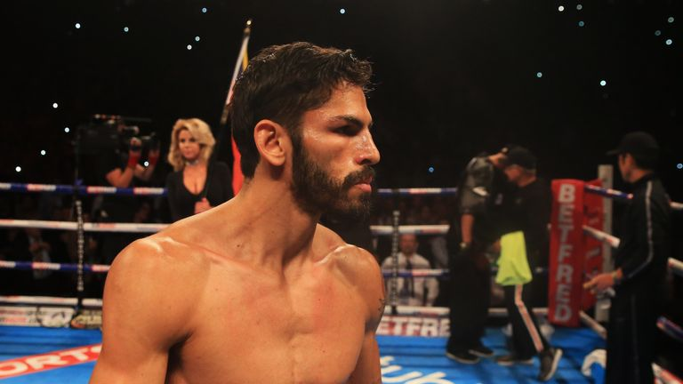 Luke Campbell fails in title bid as Jorge Linares wins split decision