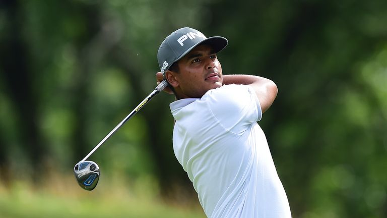 Sebastian Munoz holds a three-shot lead at the halfway stage