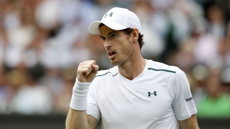 Andy Murray defeated Benoit Paire to reach the quarter-finals