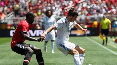 Gareth Bale shields the ball from Eric Bailly on Sunday at Levi's Stadium
