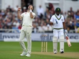James Anderson celebrates dismissing Vernon Philander