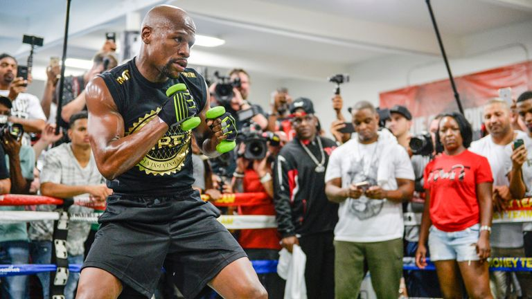 Conor McGregor will stand off Floyd Mayweather, Paul Smith predicts