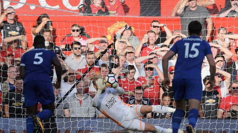 Kasper Schmeichel has saved more Premier League penalties at Old Trafford (1 of 1) than his dad, Peter (0 of 3)