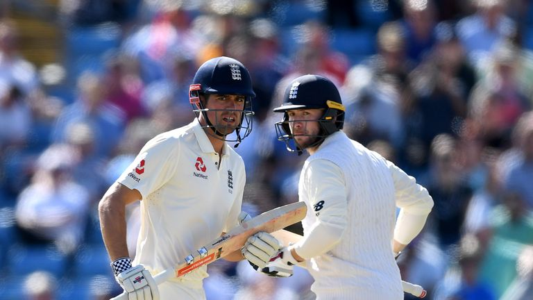 Alastair Cook and Mark Stoneman put on 58 for England's first wicket