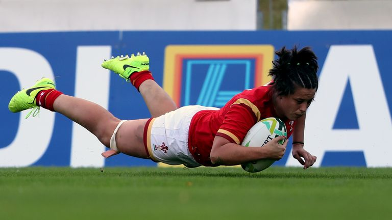 Sioned Harries scored two of Wales' tries