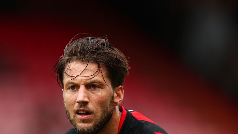 BOURNEMOUTH, ENGLAND - JULY 30:  Harry Arter of AFC Bournemouth in action during the pre-season friendly match between AFC Bournemouth and Valencia CF at V