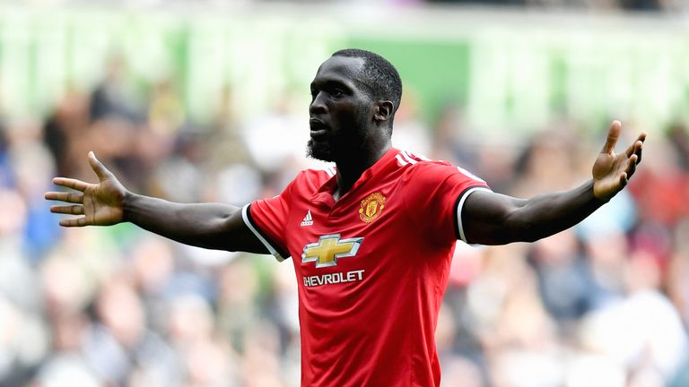 Romelu Lukaku celebrates after doubling Manchester United's lead