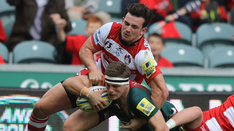 Nick Malouf of Leicester dives over for his side's third try