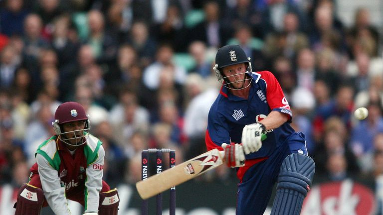 Paul Collingwood once again played a pivotal knock in the England middle order