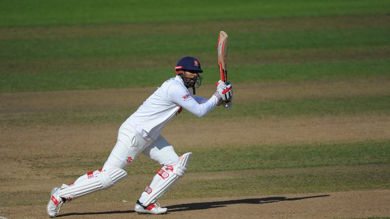 Varun Chopra made 98 as Essex pressed home their advantage at Edgbaston