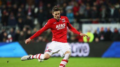 fifa live scores -                               Eredivisie: AZ keep up pressure on Ajax