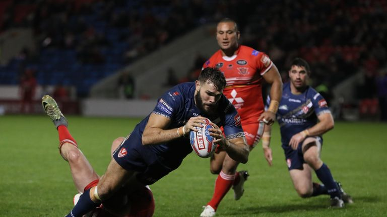 Alex Walmsley crossed for a brace at the AJ Bell Stadium