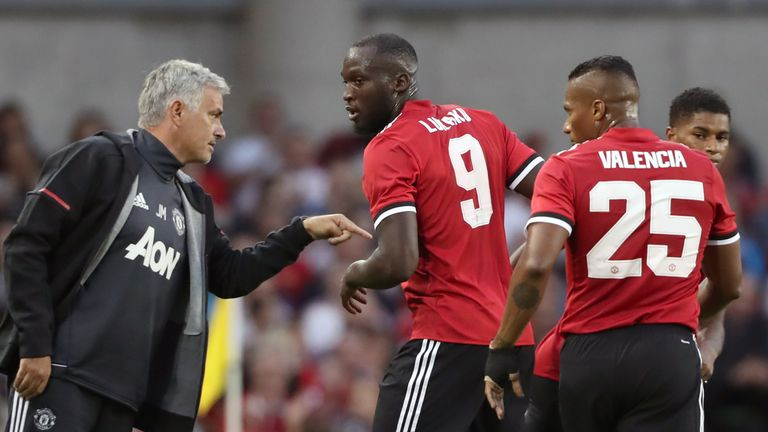 Manchester United's Romelu Lukaku is substituted for Marcus Rashford (right) as Jose Mourinho gives instructions during the pre-season friendly match at th