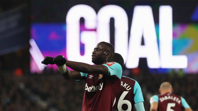 Cheikhou Kouyate celebrates his equaliser