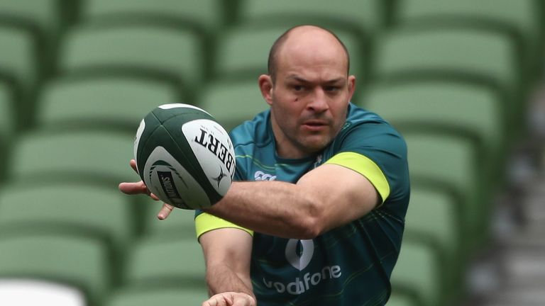Rory Best is one of only two current players - alongside Rob Kearney - who have claimed a Grand Slam (2009)