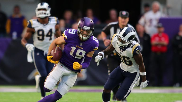 MINNEAPOLIS, MN - NOVEMBER 19: Adam Thielen #19 of the Minnesota Vikings runs with the ball and evades defender Dominique Hatfield #36 of the Los Angeles R