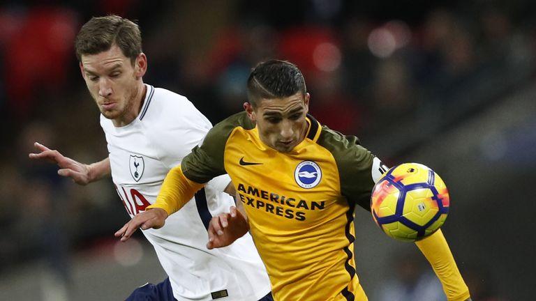 Jan Vertonghen puts pressure on Anthony Knockaert
