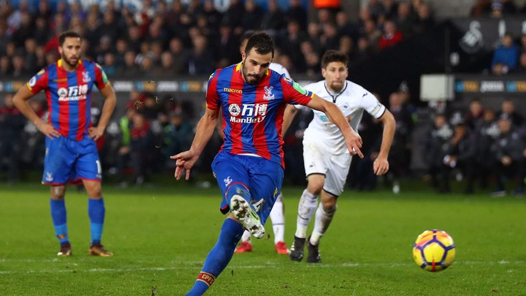 Luka Milivojevic scores from the spot for Crystal Palace