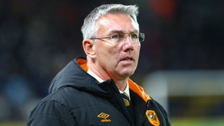 Nigel Adkins has two unspecified Hull players carrying knocks