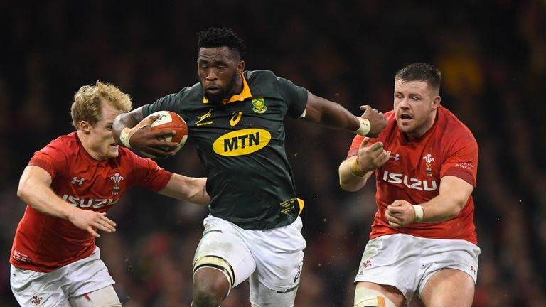 Siya Kolisi carries for the Springboks