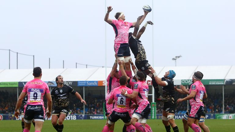 Exeter Chiefs win a line-out against Montpellier