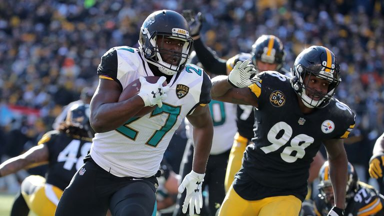Leonard Fournette rushes for a touchdown against Pittsburgh in the playoffs