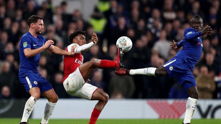 Kante and Danny Drinkwater tackle Alex Iwobi