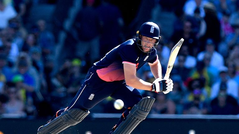 SYDNEY, AUSTRALIA - JANUARY 21:  Jos Buttler of England plays a shot during game three of the One Day International series between Australia and England at