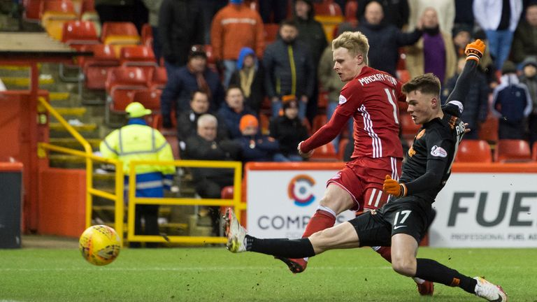 Aberdeen's Gary Mackay-Steven scores against Dundee United to make it 4-1
