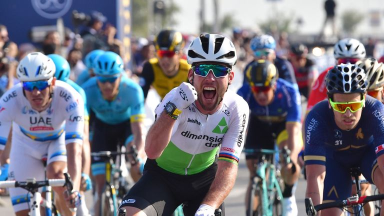 Cavendish wins stage three in Dubai