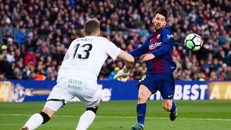 Vicente Guaita denies Lionel Messi on his way to his sixth clean sheet in La Liga this season