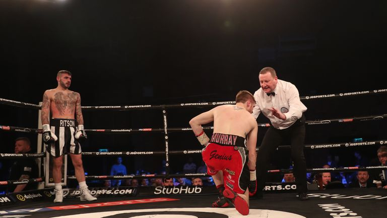 Ritson's body punches quickly sent Murray to the canvas