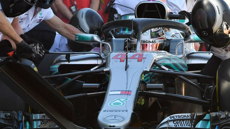 Lewis Hamilton qualifies in pole position for Australian Grand Prix