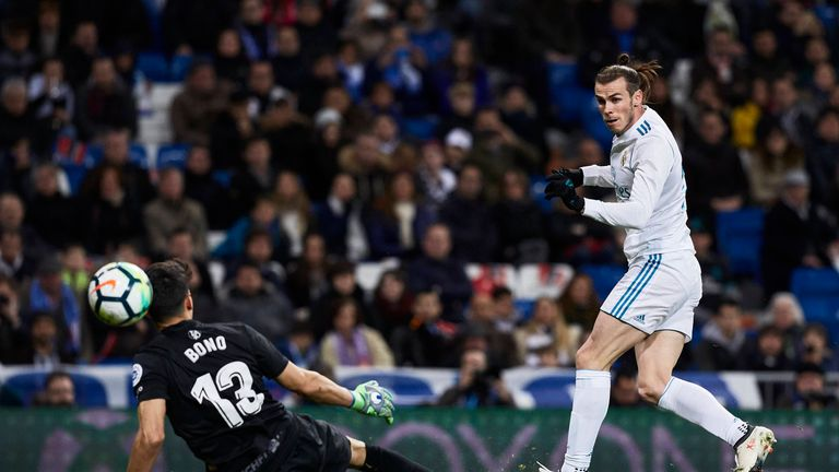 Gareth Bale dinks Real Madrid into a 4-1 lead