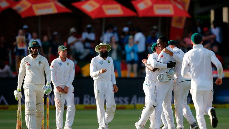 South Africa won the second Test to level the series at 1-1
